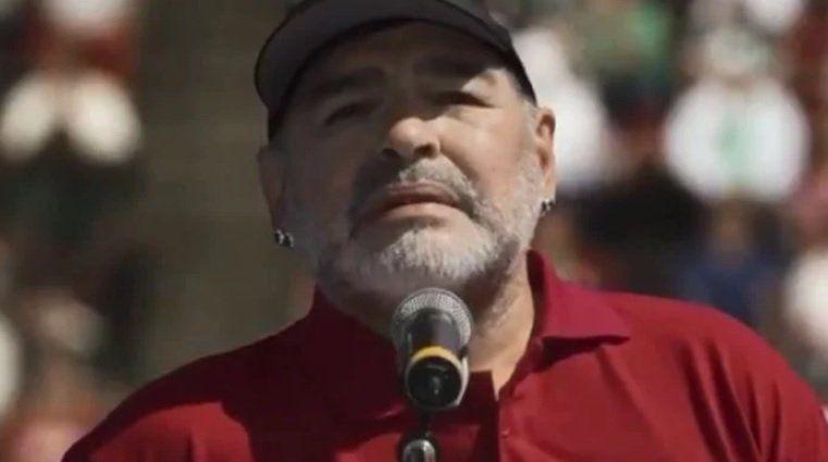 Diego Maradona: La pelota sí se mancha