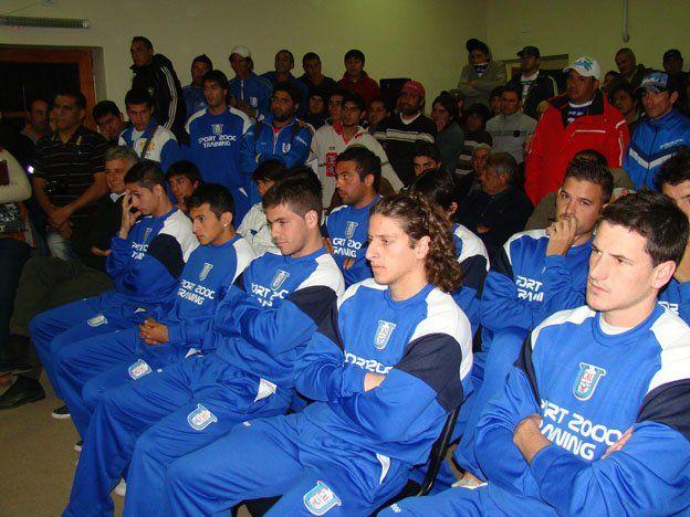 Unión presentó su nuevo plantel para otra temporada en el Argentino B