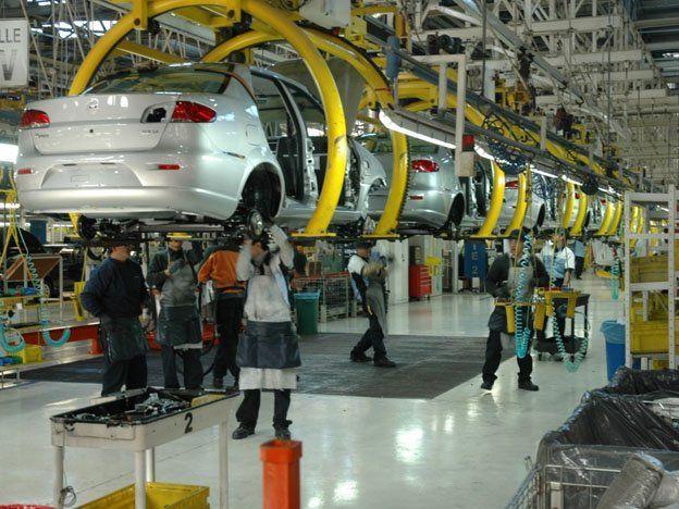 La industria automotriz llegó a fabricar 3200 vehículos 0km por día