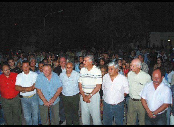Capital: inauguraron iluminación en la Villa Pontoriero