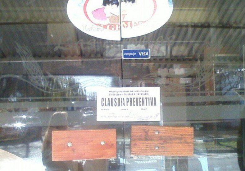 Repugnante: clausuraron una panadería porque vendía facturas con excremento de ratas