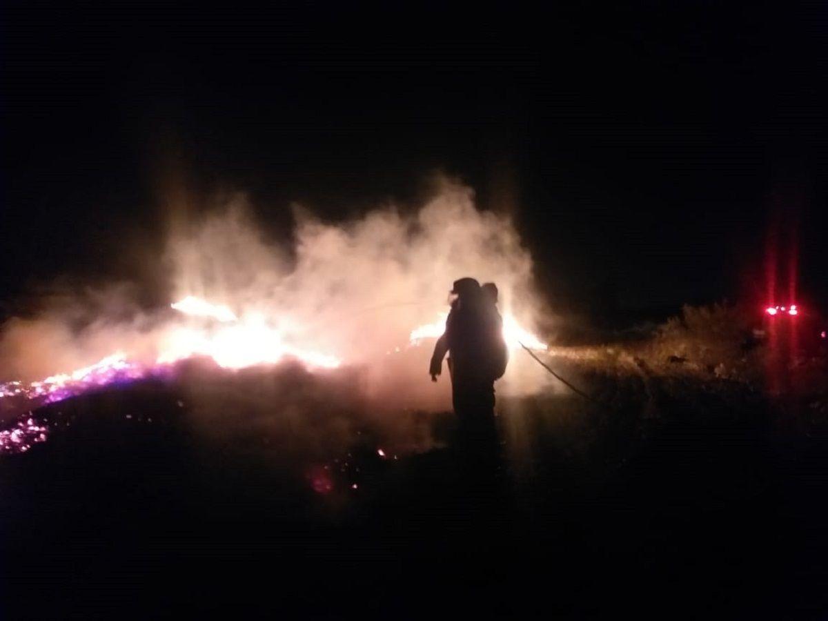 Por más de cuatro horas Bomberos trabajaron en un gran incendio