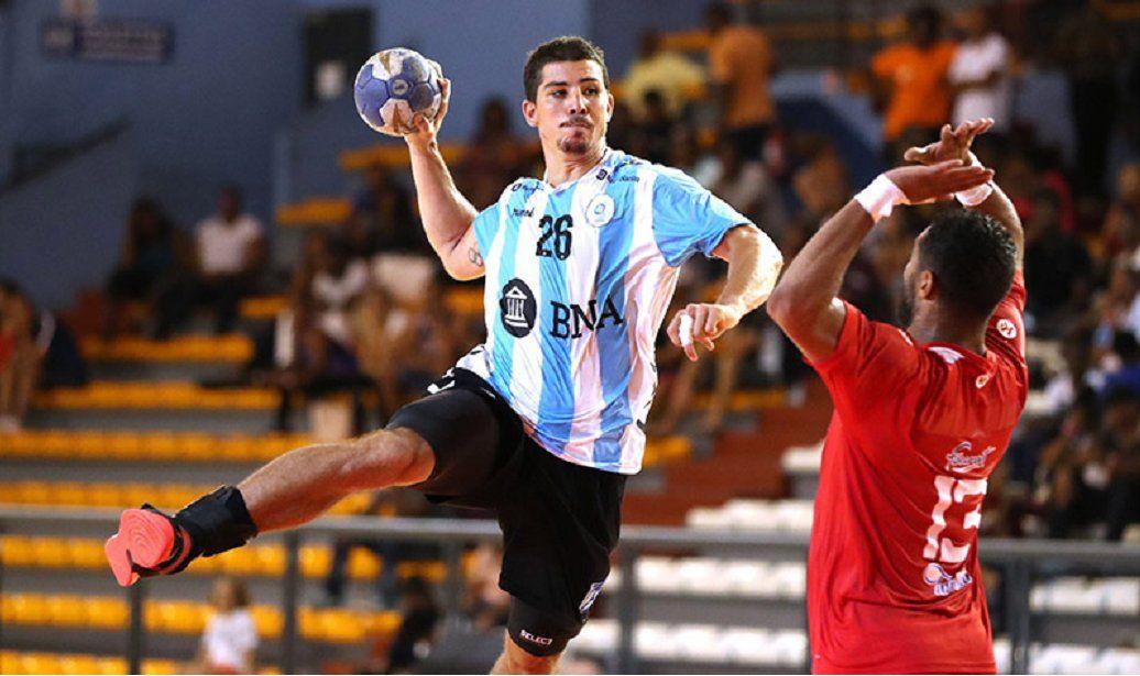 El Chino Simonet es la gran figura de la Selección de handball.