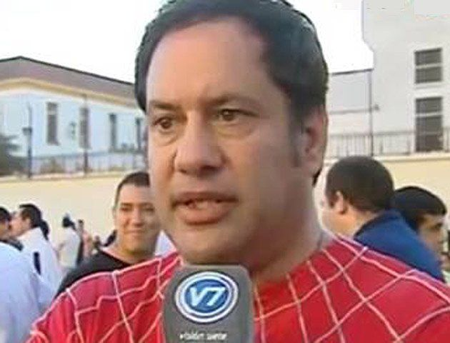 Fuga en Ezeiza: el director bailaba con reos vestido del hombre araña