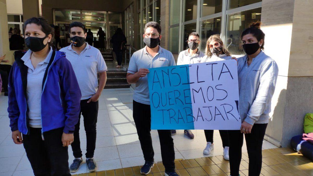 Trabajadores de Ansilta.