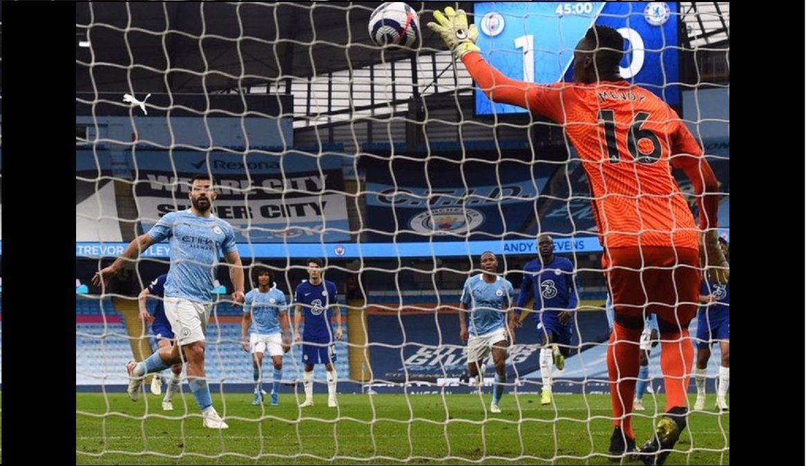 Agüero picó un penal, se lo atajaron y el City perdió con Chelsea