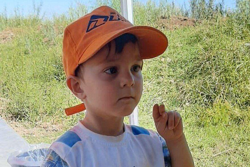 Tras una desesperada búsqueda, apareció sin vida el niño de 3 años