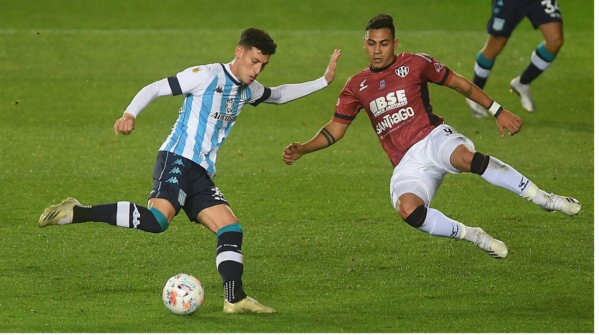 Racing no pudo salir del 0 a 0 ante los santiagueños. Foto: telam.