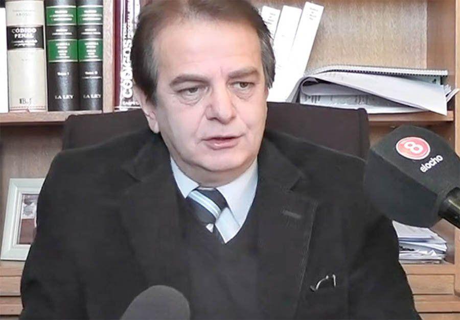 Por el olvido del caso del ginecólogo, le suspendieron una licencia al juez Flores