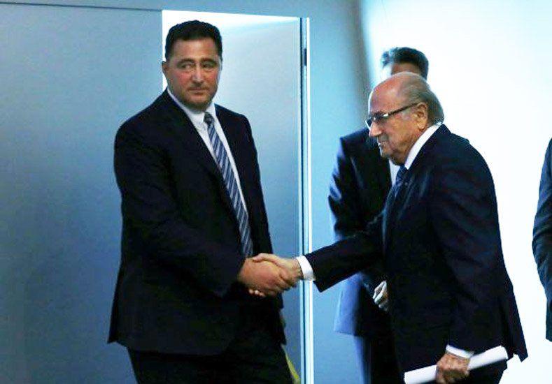 La FIFA admitió por primera vez que Qatar y Rusia podrían perder las sedes mundialistas