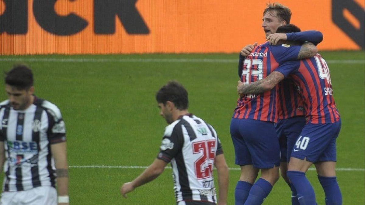 San Lorenzo lo padeció pero venció a Central Córdoba