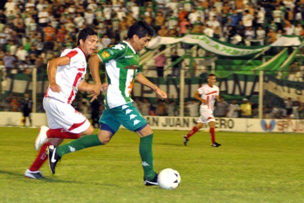 Desamparados: Fernández y Pérez jugarán contra Belgrano
