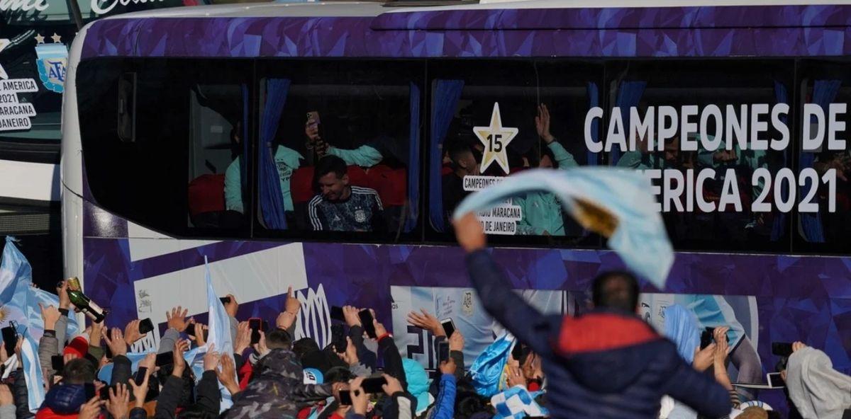 La Selección Argentina llegó al país con la Copa América