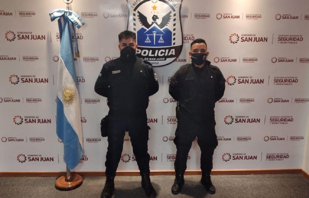 Policías parteros: colaboraron en un nacimiento en el Barrio Conjunto V