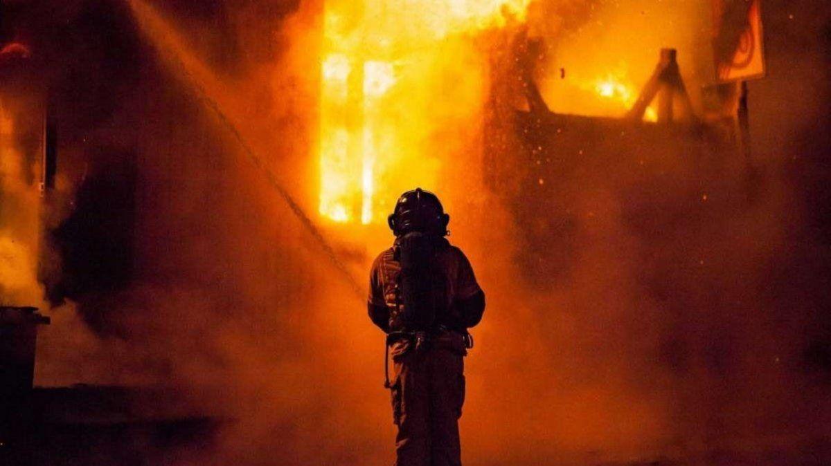 Al menos 23 muertos en un incendio en una terapia intensiva de Covid