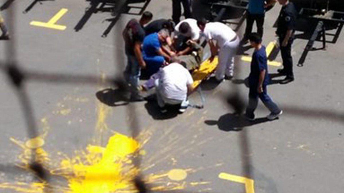 Murió el obrero que estaba pintando la Bombonera y cayó al vacío
