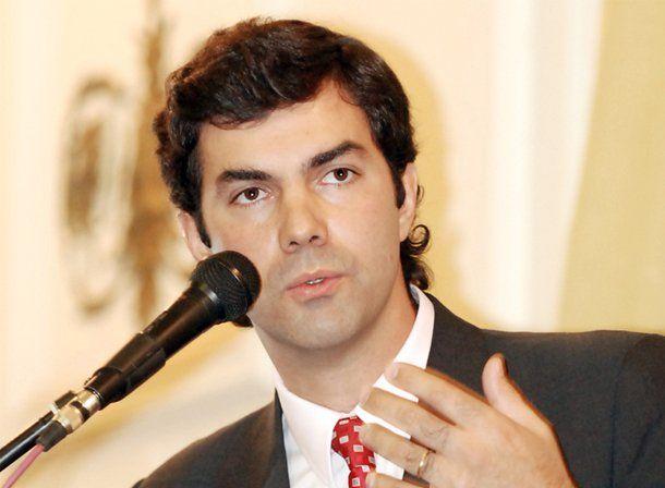 Salta: Urtubey busca su reelección, desafiado por un millonario sojero que regala camionetas 4x4