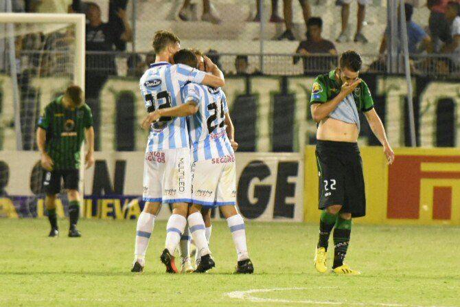 Golpe final: San Martín perdió 3 a 0 como local y Lavallén dejó de ser el entrenador