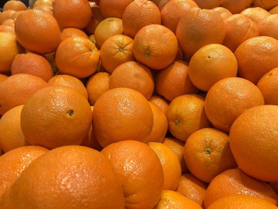 Insólito. Unos viajeros se comieron 30 kilos de naranjas en menos de media hora.