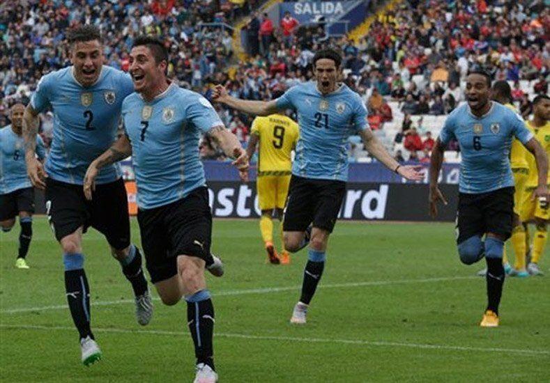 Triunfo sufrido: Uruguay no jugó bien pero superó a Jamaica en el debut