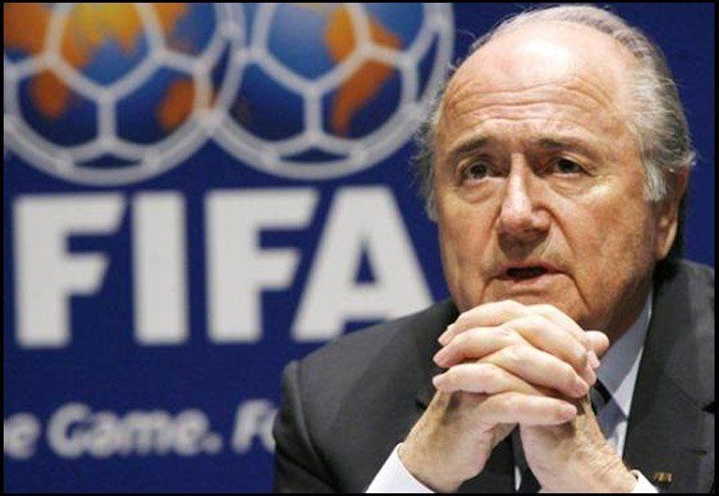 En pleno escándalo, la FIFA elige presidente y Blatter pierde aliados