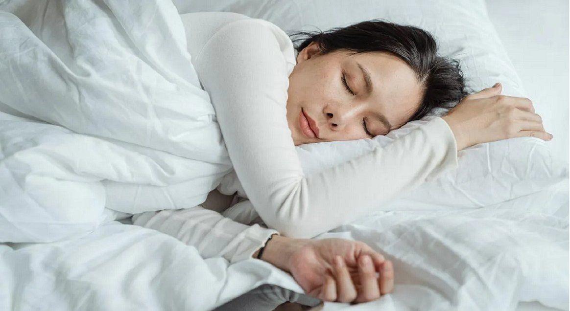 Pagan 1.500 dólares por dormir la siesta todos los días