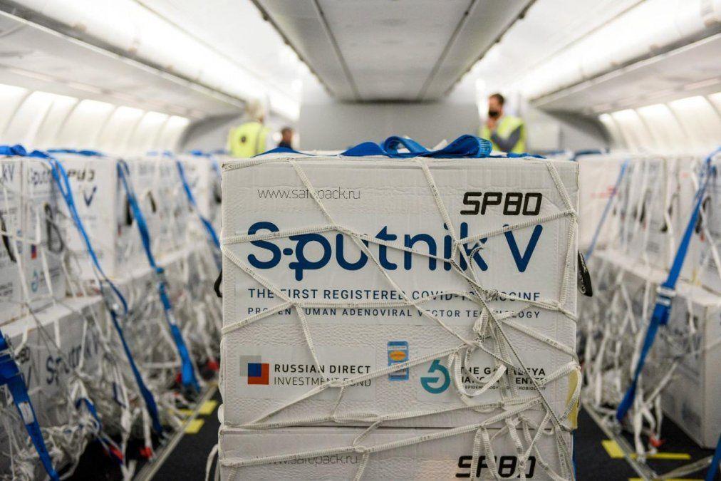 Esta noche llegan al país 800.000 dosis de la vacuna Sputnik V