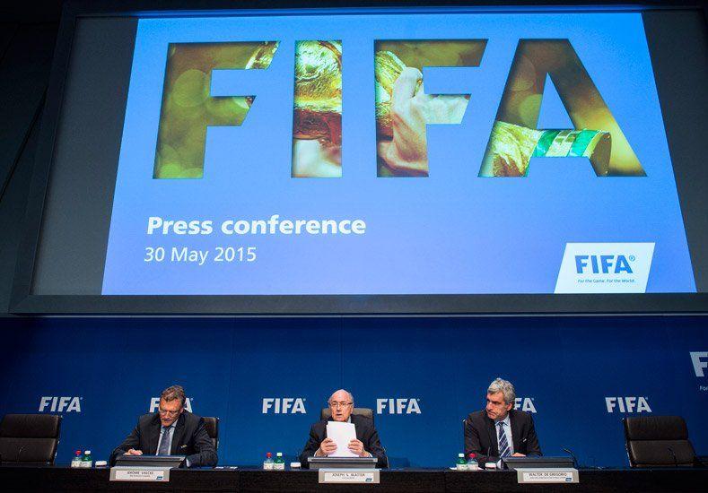 Escándalo FIFA: suspendieron el proceso de candidaturas para el Mundial 2026