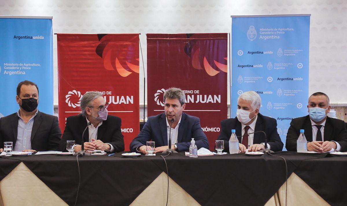 Uñac dio apertura a la Reunión Regional Cuyo para brindar detalles del Plan Ganadero Nacional