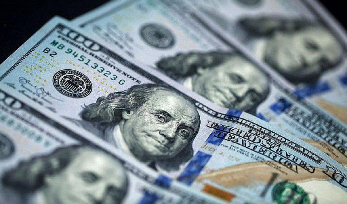 El dólar cerró en alza a $86