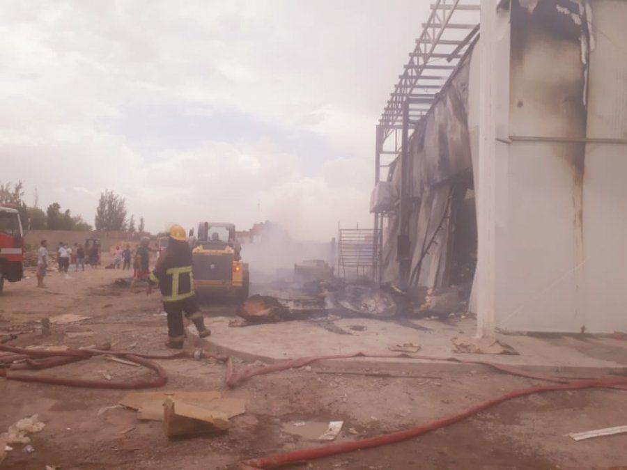 El fuego en el local comercial de Chimbas fue controlado