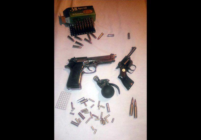 Secuestraron armas y explosivos en un procedimiento en Chimbas