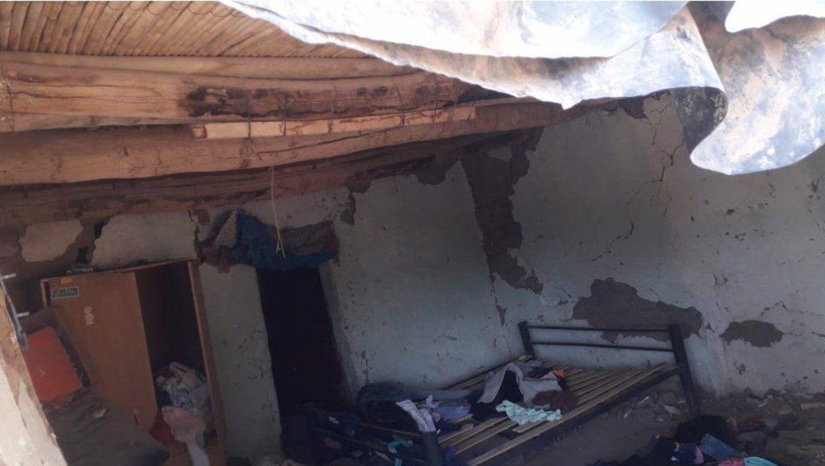 Una de las cientos de casas dañadas por el terremoto.