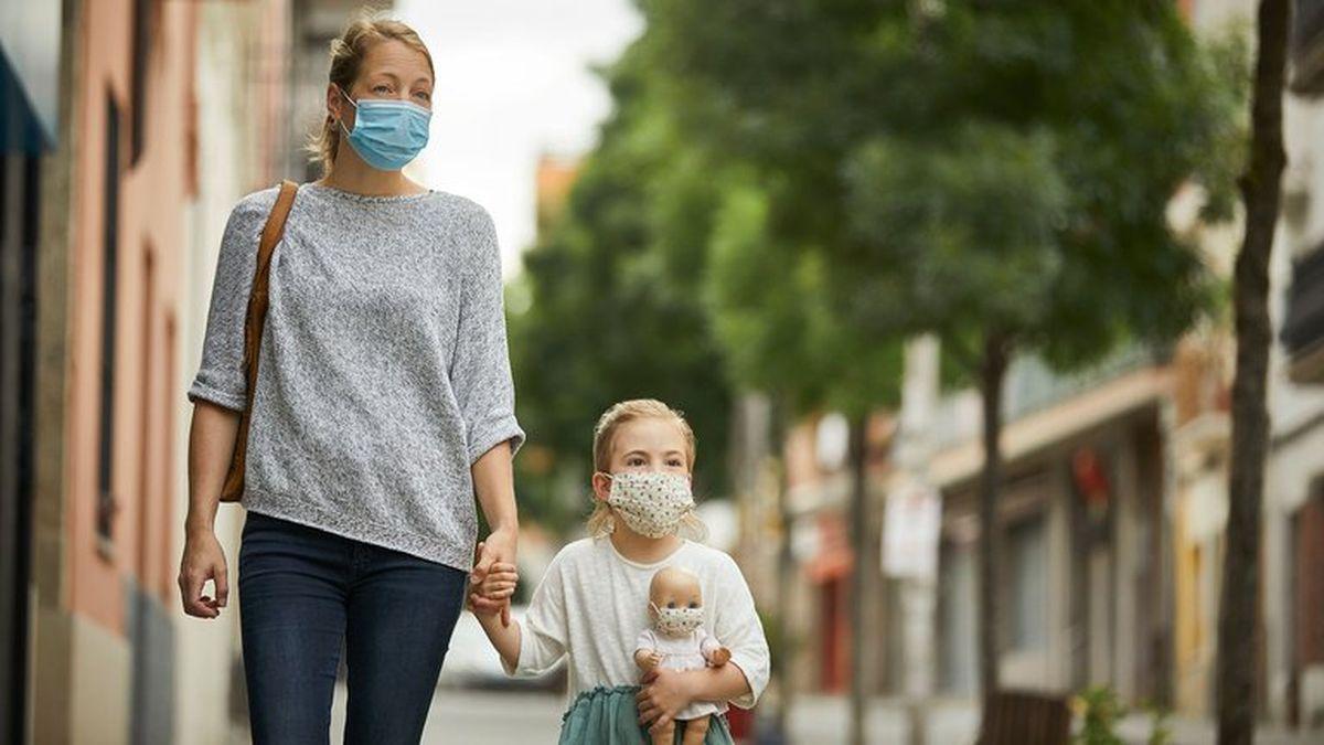 Sólo la mitad de niños entre recién nacidos y 11 años tienen síntomas