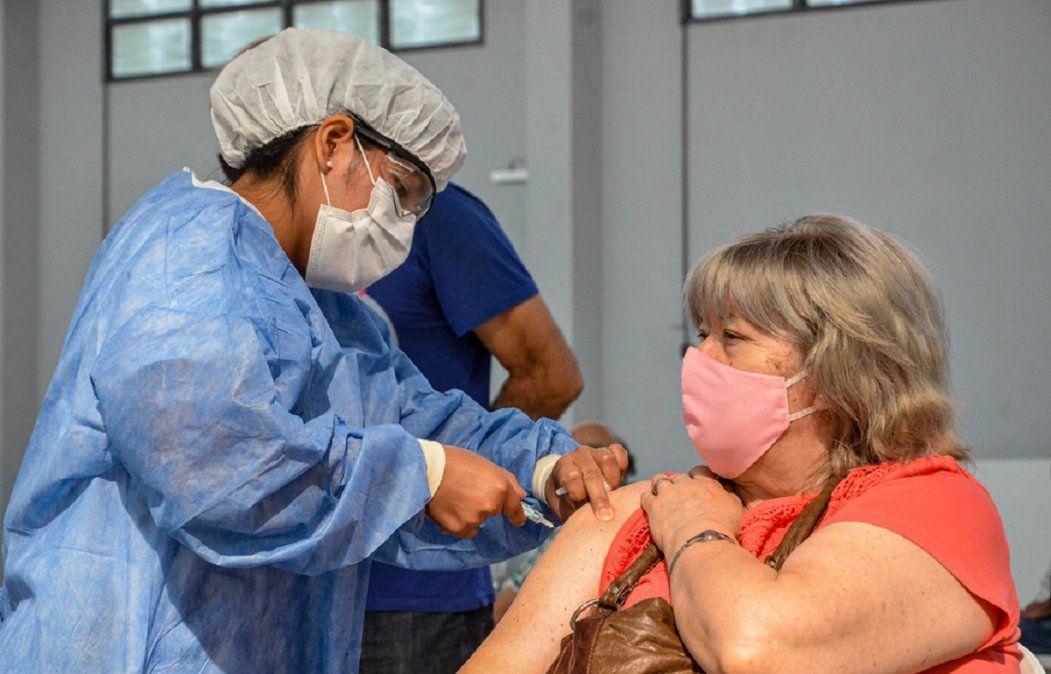 Entre lunes y domingo de la semana pasada fueron aplicadas casi un millón de vacunas contra el coronavirus.