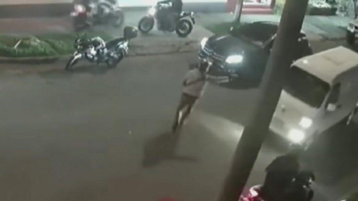 Quisieron robar un auto pero no pudieron sacarle el freno