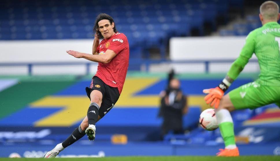 Cavani marcó su primer gol con el Manchester United