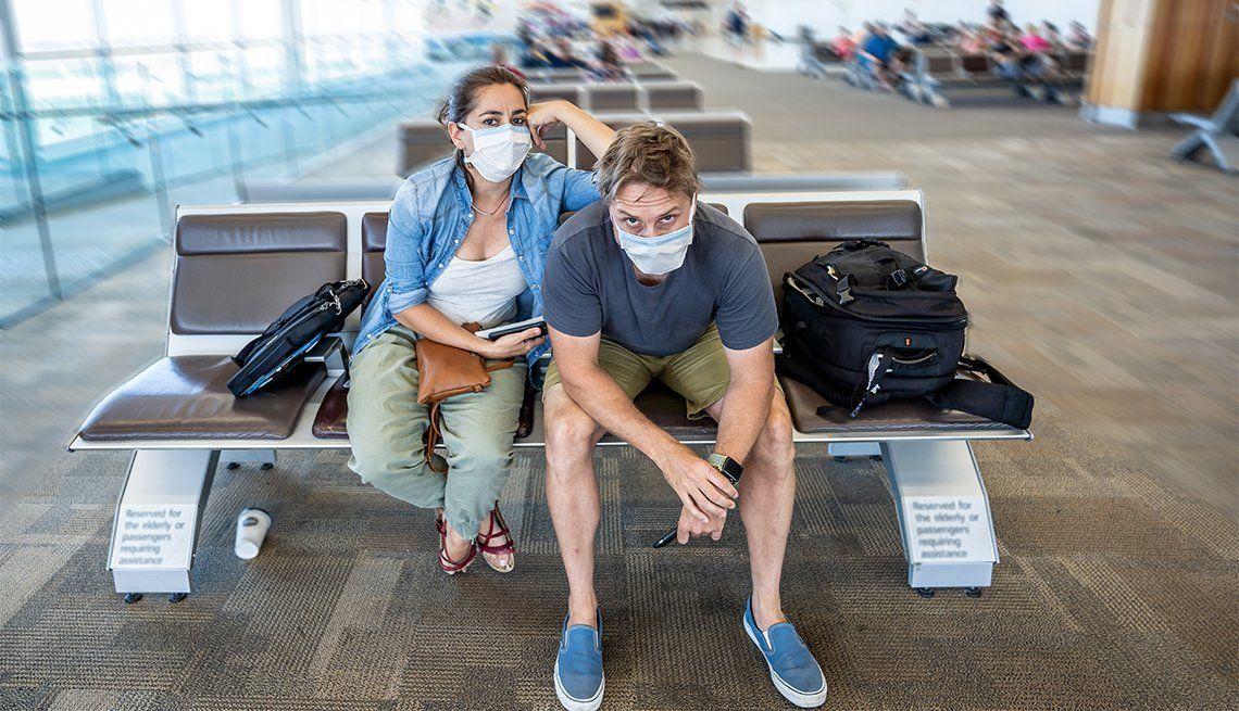 Restringen vuelos desde Brasil y obligan a turistas a pagarse el hisopado