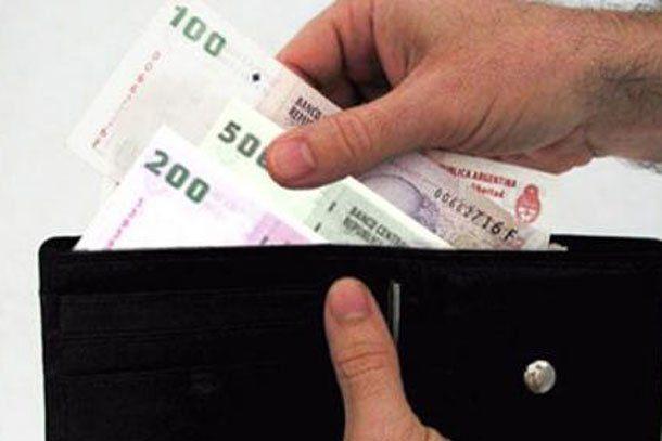 Faltante de billetes: un economista sanjuanino sugiere la impresión de billetes de 500 y mil pesos