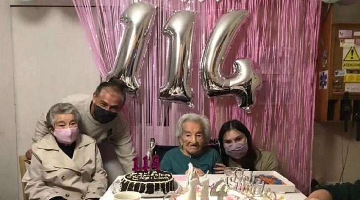 La mujer más longeva en recuperarse del covid cumplió 114 años