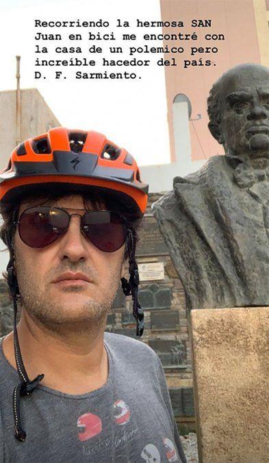 En bici, Ciro Martínez recorrió la casa de Sarmiento y el Teatro del Bicentenario: mirá las fotos