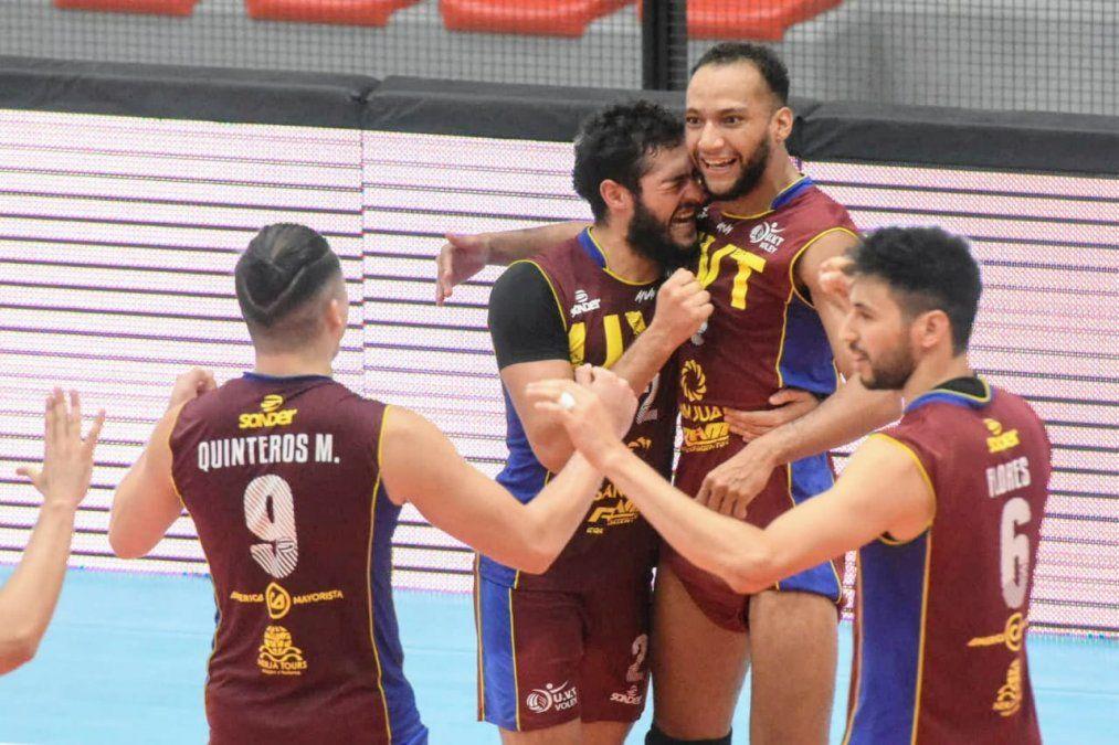 UVT eliminó a Paracao y enfrentará a UPCN en la semi de la Liga. Fotos: Adrián Carrizo.