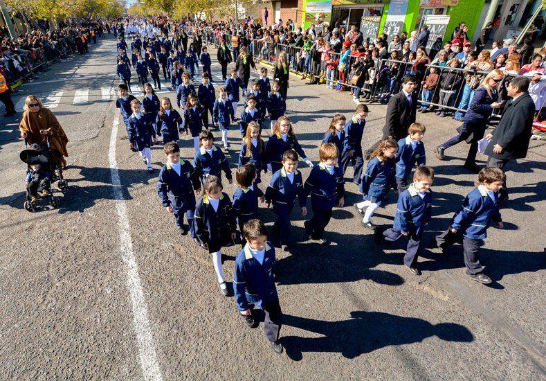 Concepción fue una fiesta con el desfile por el 453º aniversario de la Fundación de San Juan