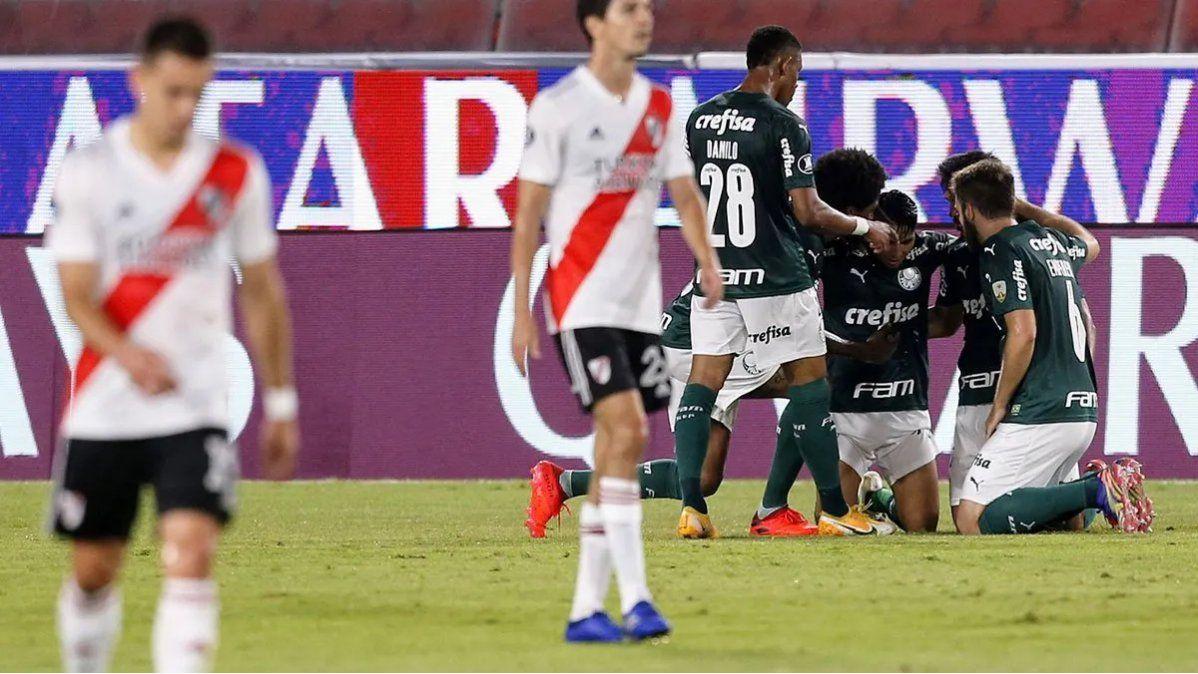 River sufrió una dura derrota ante Palmeiras y necesitará de un milagro en Brasil.