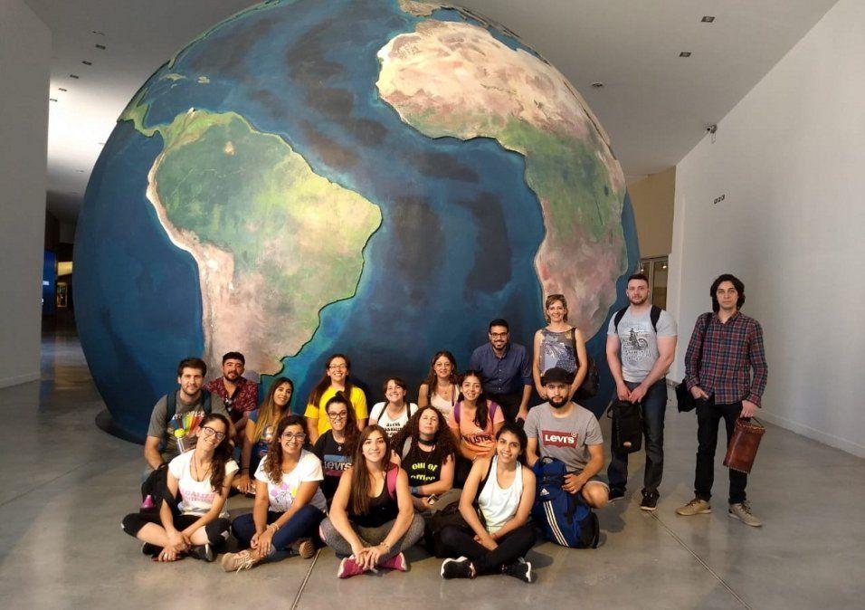 Alumnos de la Licenciatura en Gestión Ambiental durante una visita al Centro de Educación Ambiental Anchipurac