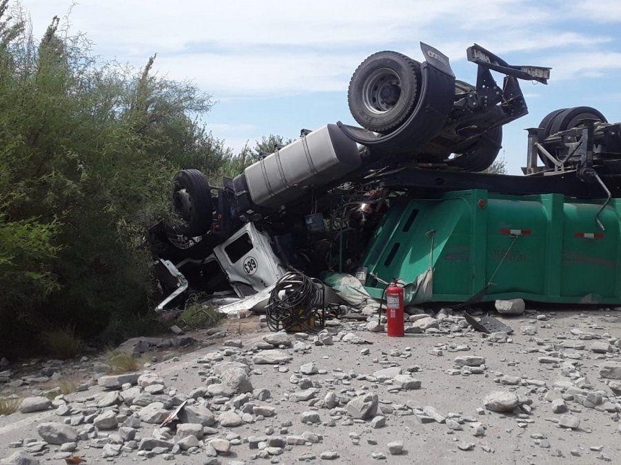 Volcó un camión a la altura de El Cerrillo y una persona murió