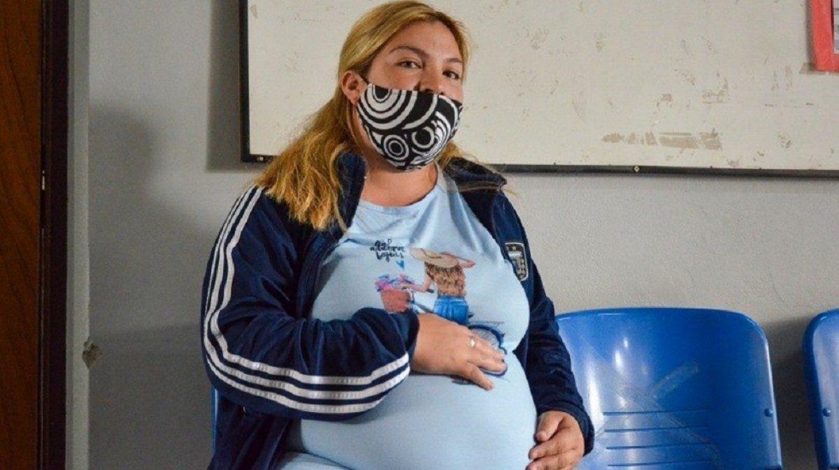 Brindan contención a embarazadas de manera virtual