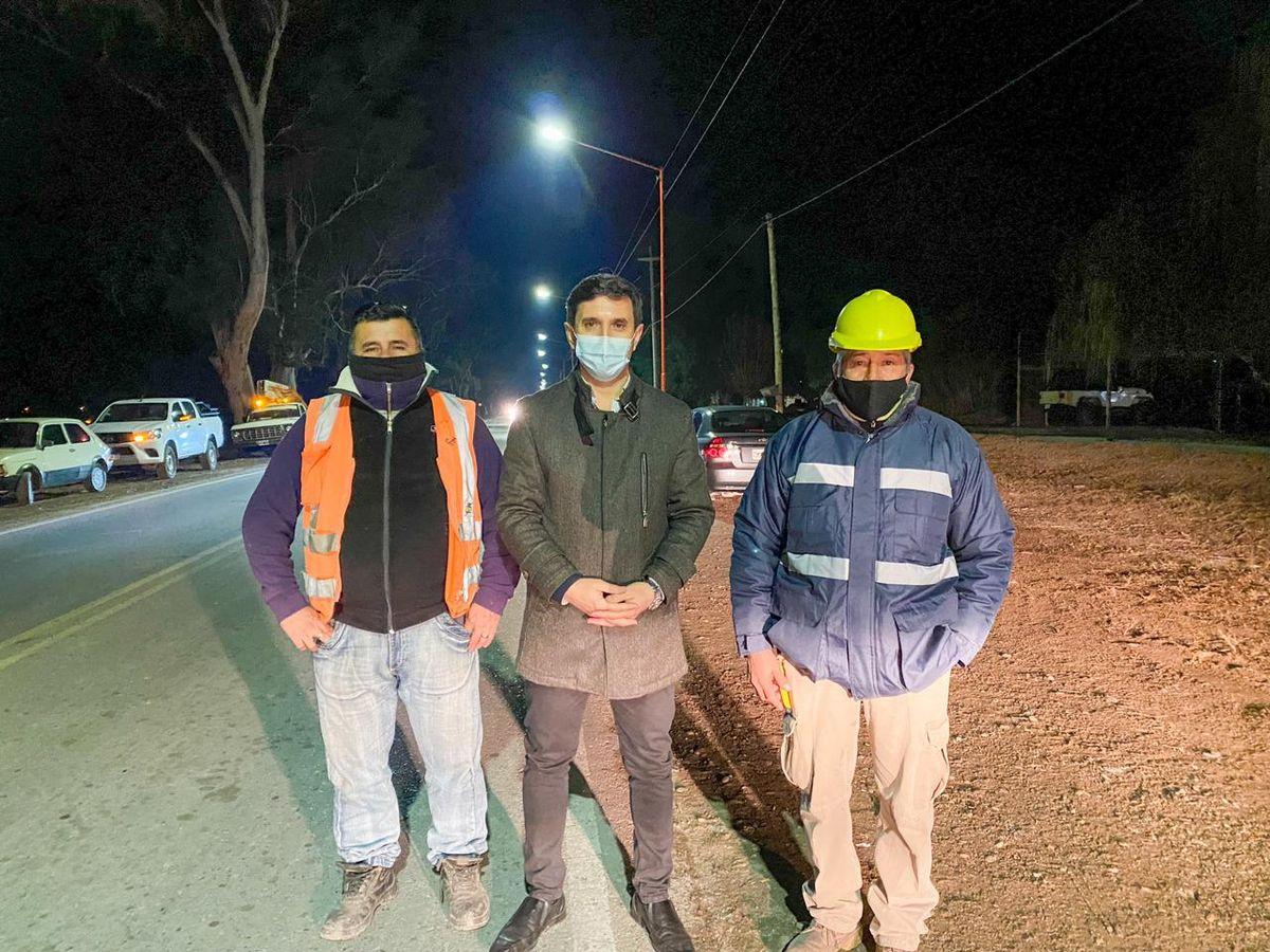 Una avenida clave de San Martín avanzó en obras de luminaria LED