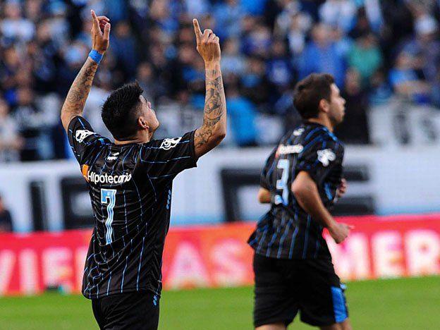 Sube en la tabla: Racing venció a Vélez y se prendió en el torneo