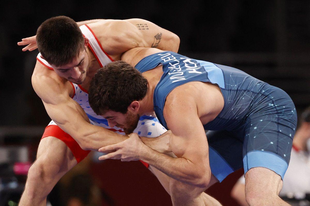 Destribats cayó dignamente ante el húngaro Muszukajev en octavos de lucha libre